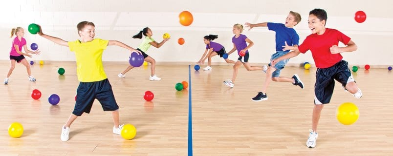 Kids playing dodgeballs